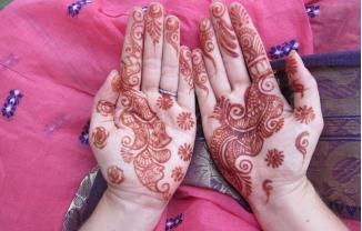 """Tatuajes"" con ""Henna""… ¿tan inofensivos como creemos?"