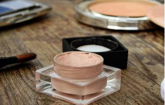 ¿Es el maquillaje perjudicial para tu piel?